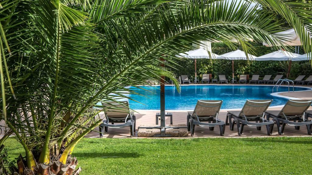 Hotel-La-Giocca-Roma-swimming-pool-1