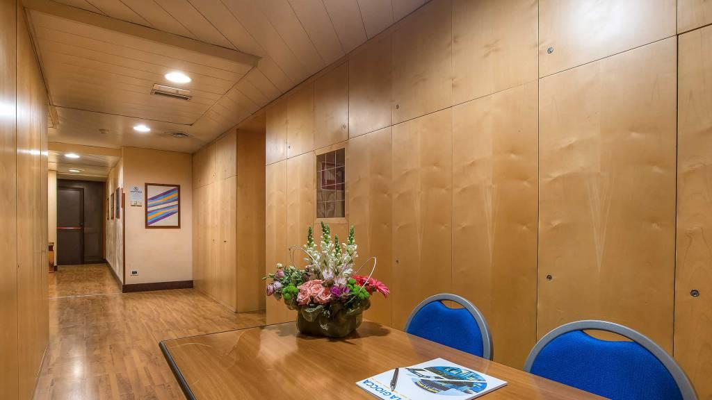Hotel-La-Giocca-Roma-meeting-room