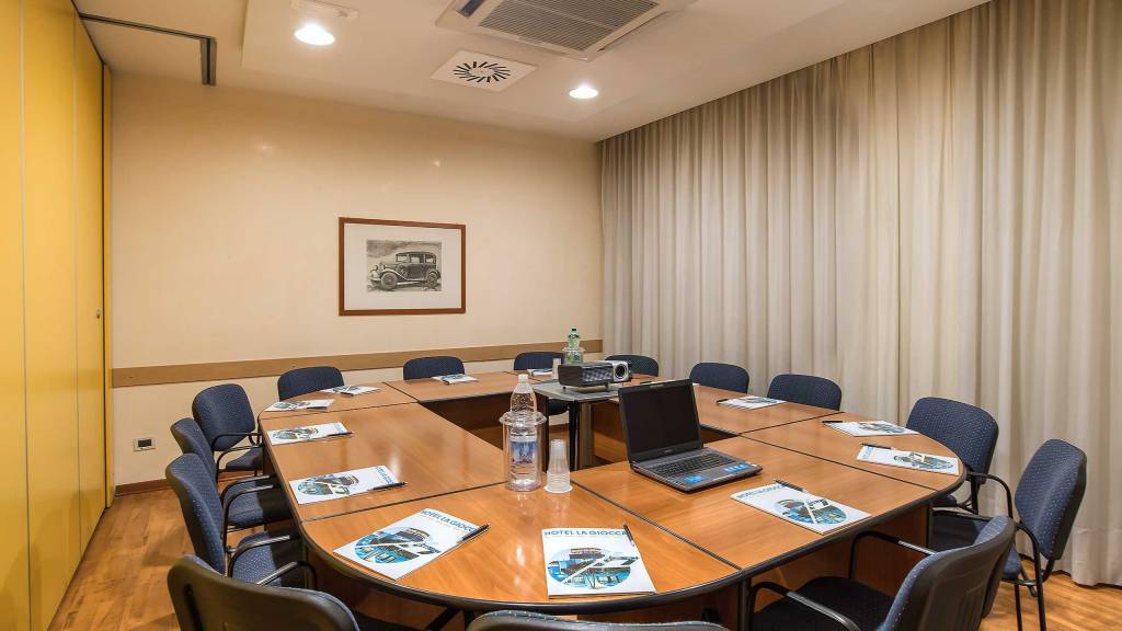 Hotel-La-Giocca-Roma-meeting-room-3