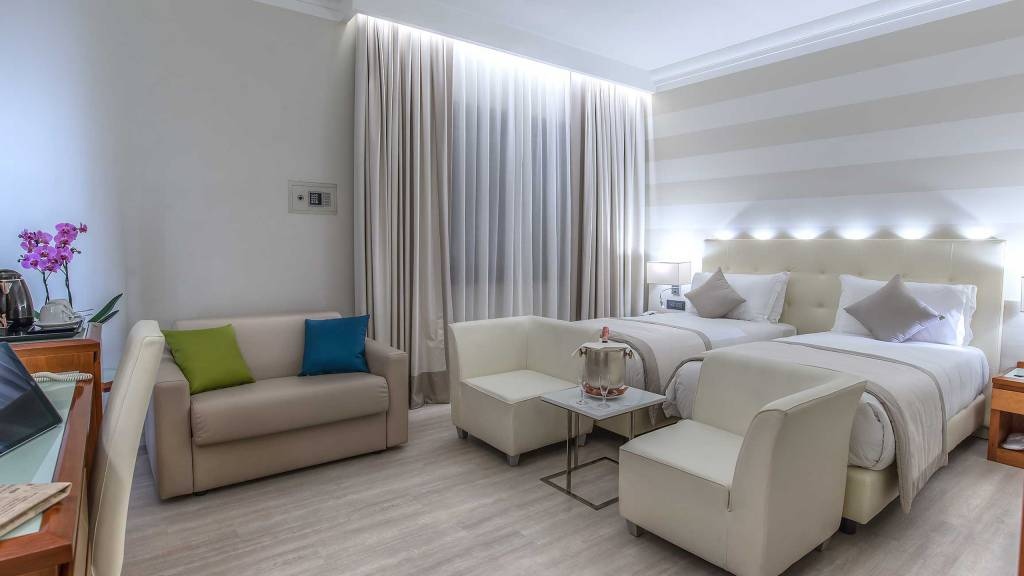 Hotel-La-Giocca-Roma-double-superior-room-7