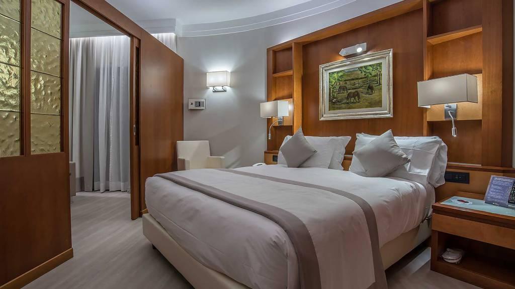 Hotel-La-Giocca-Roma-junior-suite-10