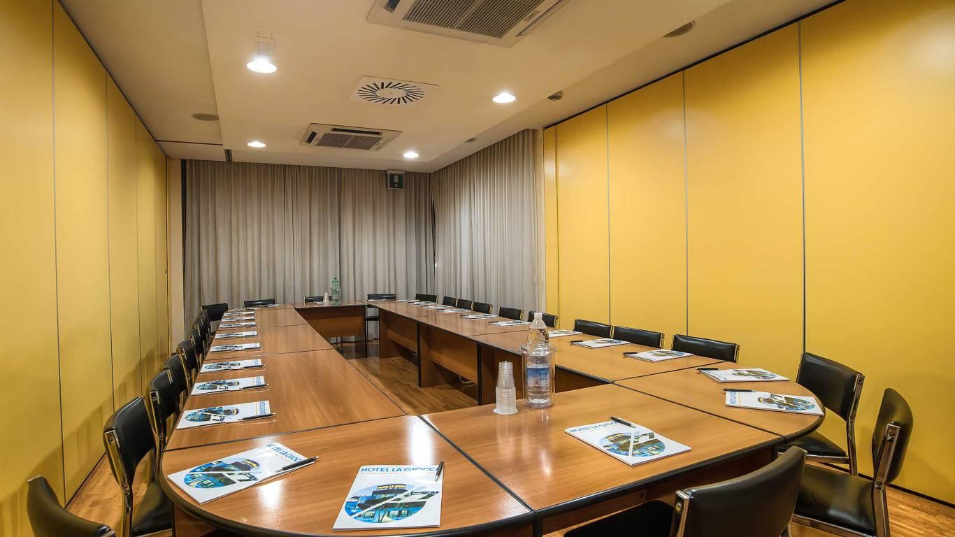 Hotel-La-Giocca-Roma-meeting-room-2