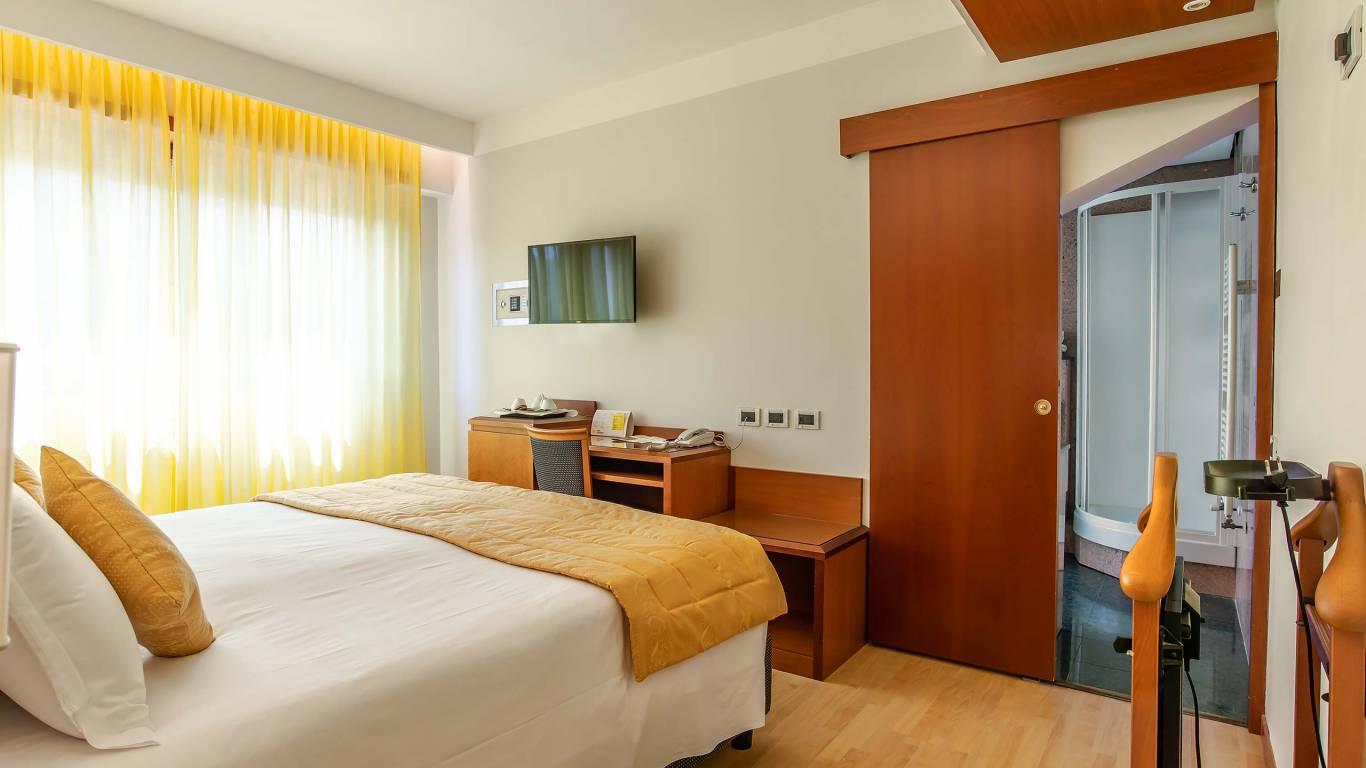 Hotel-La-Giocca-Roma-family-suite-room-4