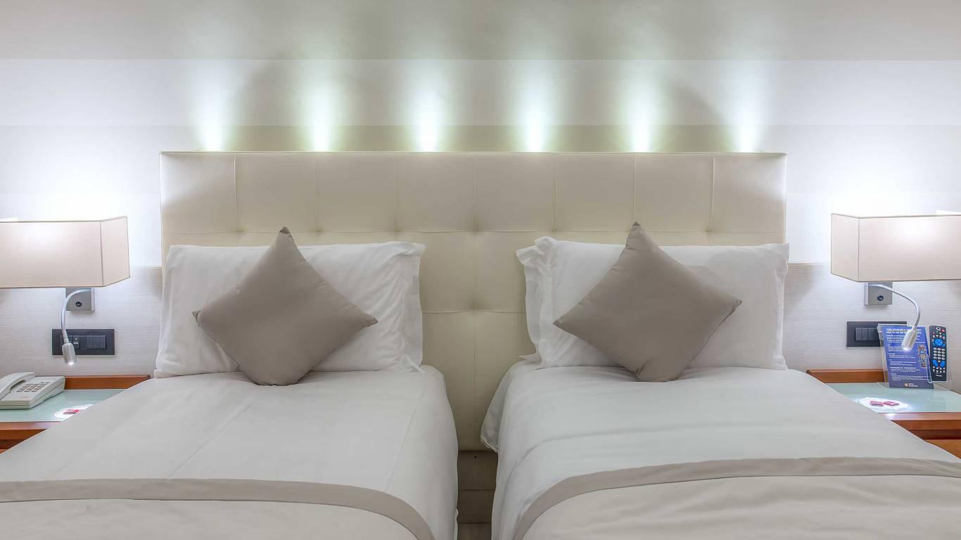 Hotel-La-Giocca-Roma-double-superior-room-4