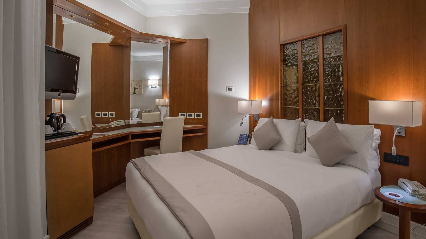 Hotel-La-Giocca-Roma-junior-suite-2
