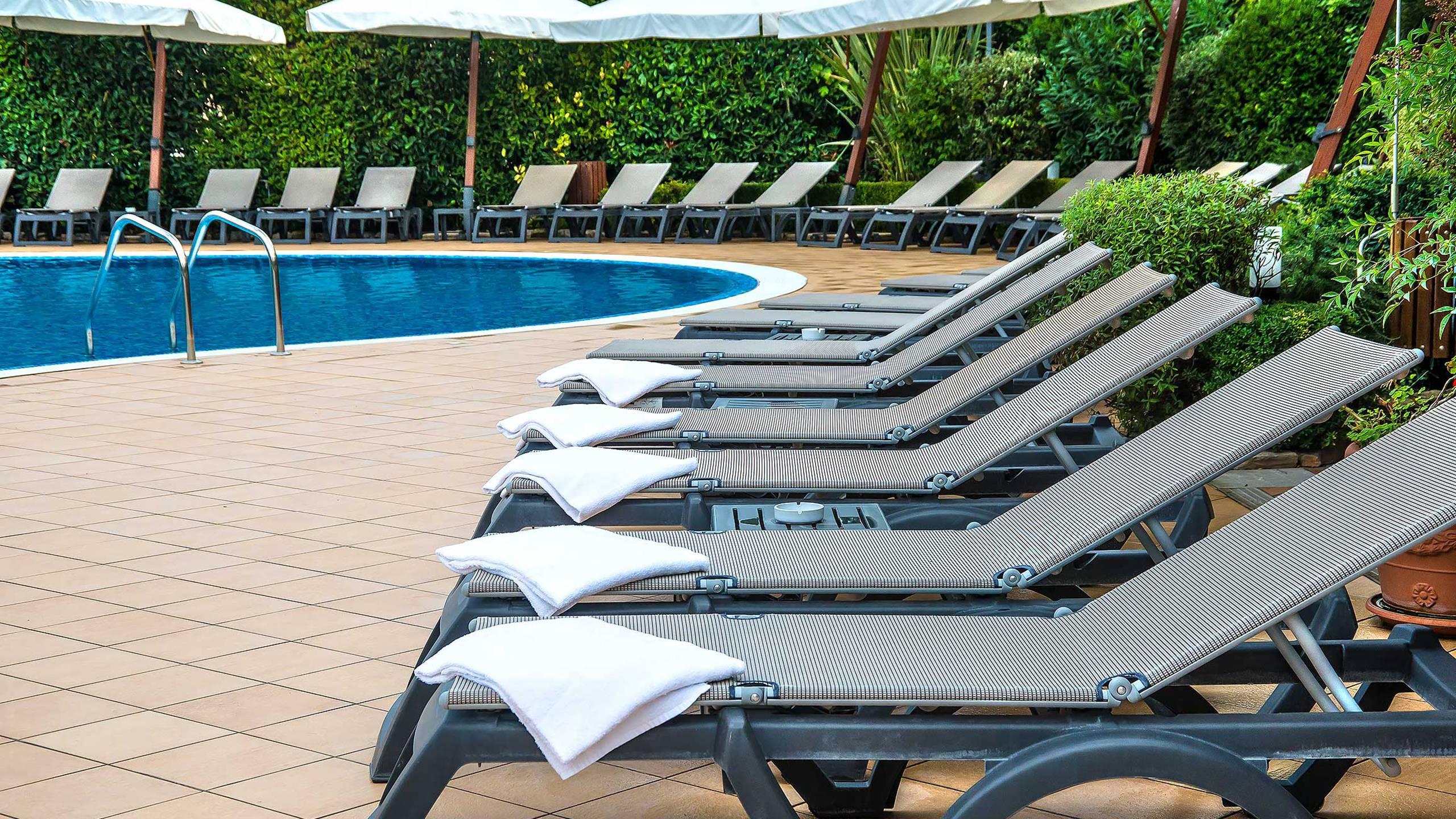 Hotel-La-Giocca-Roma-swimming-pool-6