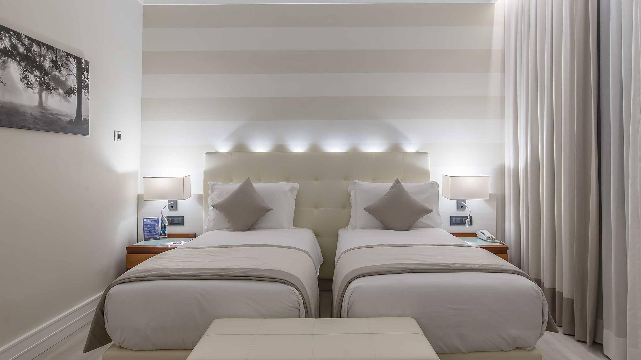 Hotel-La-Giocca-Roma-superior-triple-room-4