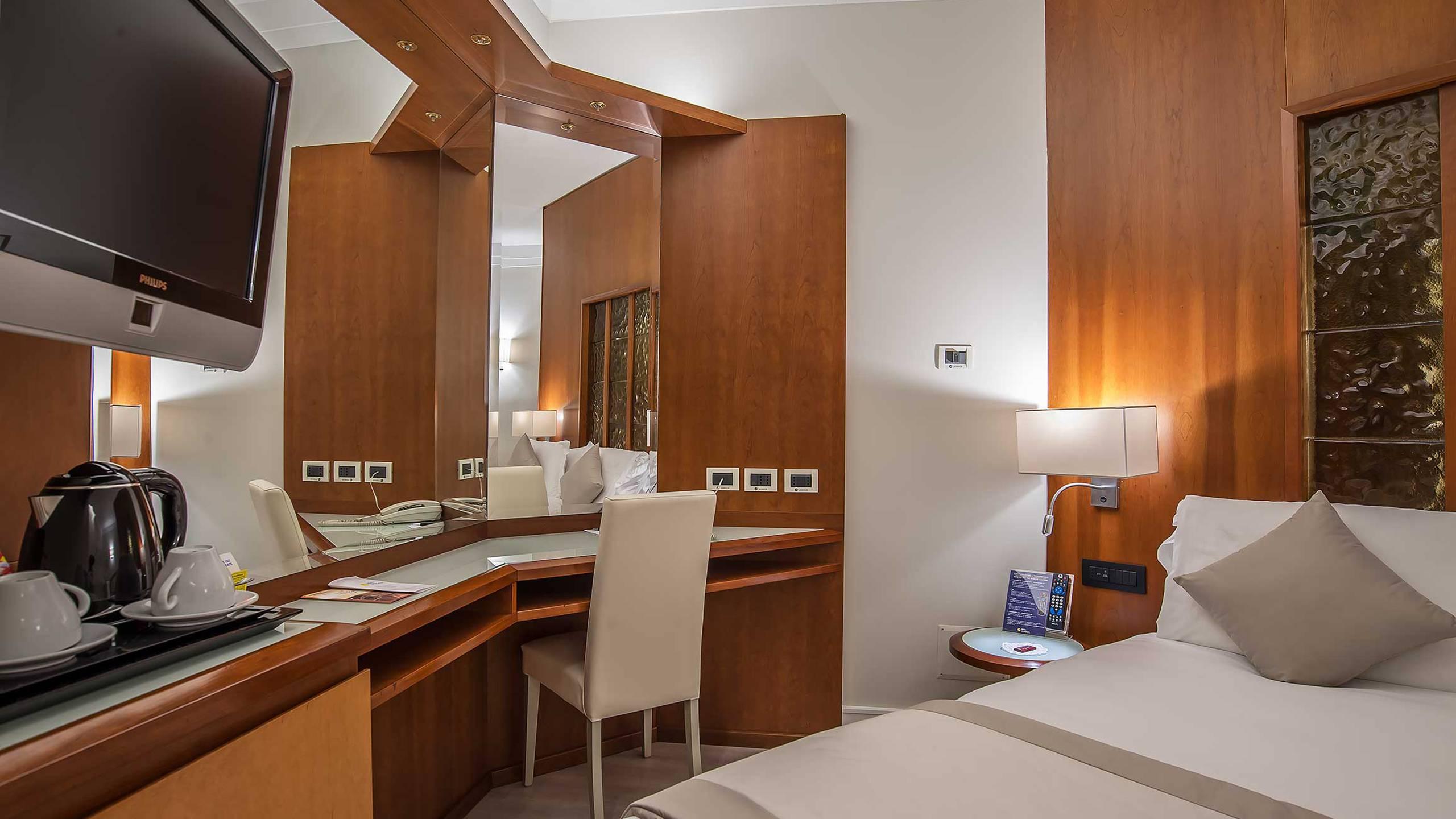 Hotel-La-Giocca-Roma-junior-suite