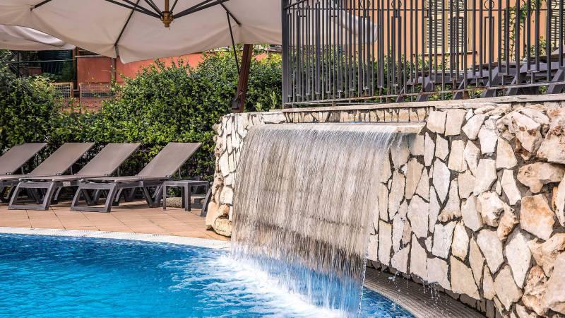 Hotel-La-Giocca-Roma-swimming-pool-7