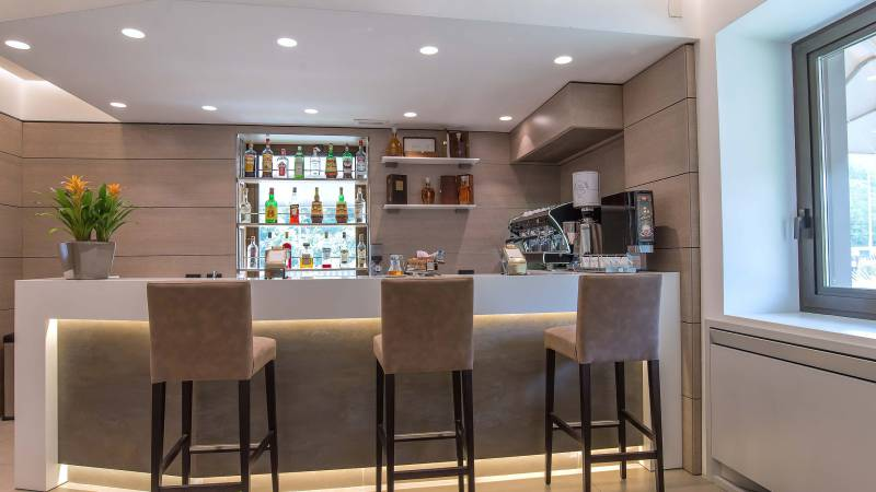 Hotel-La-Giocca-Roma-new-bar-counter-1