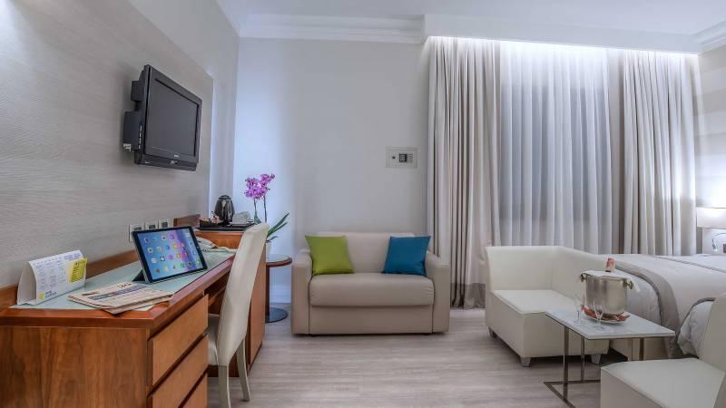 Hotel-La-Giocca-Roma-double-superior-room-8